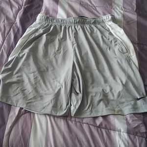 Nike dri fit shorts $34 Sz XL+  free nike hat